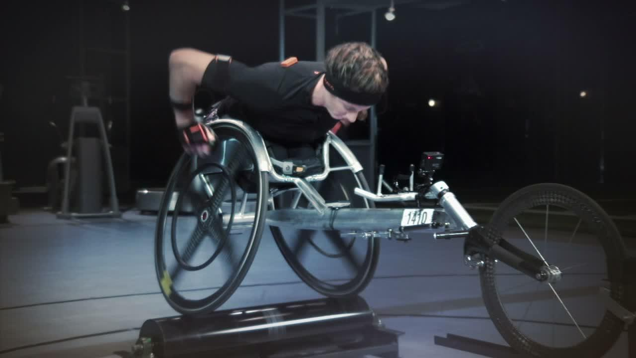 Dm 151031 sport science tatyana mcfadden