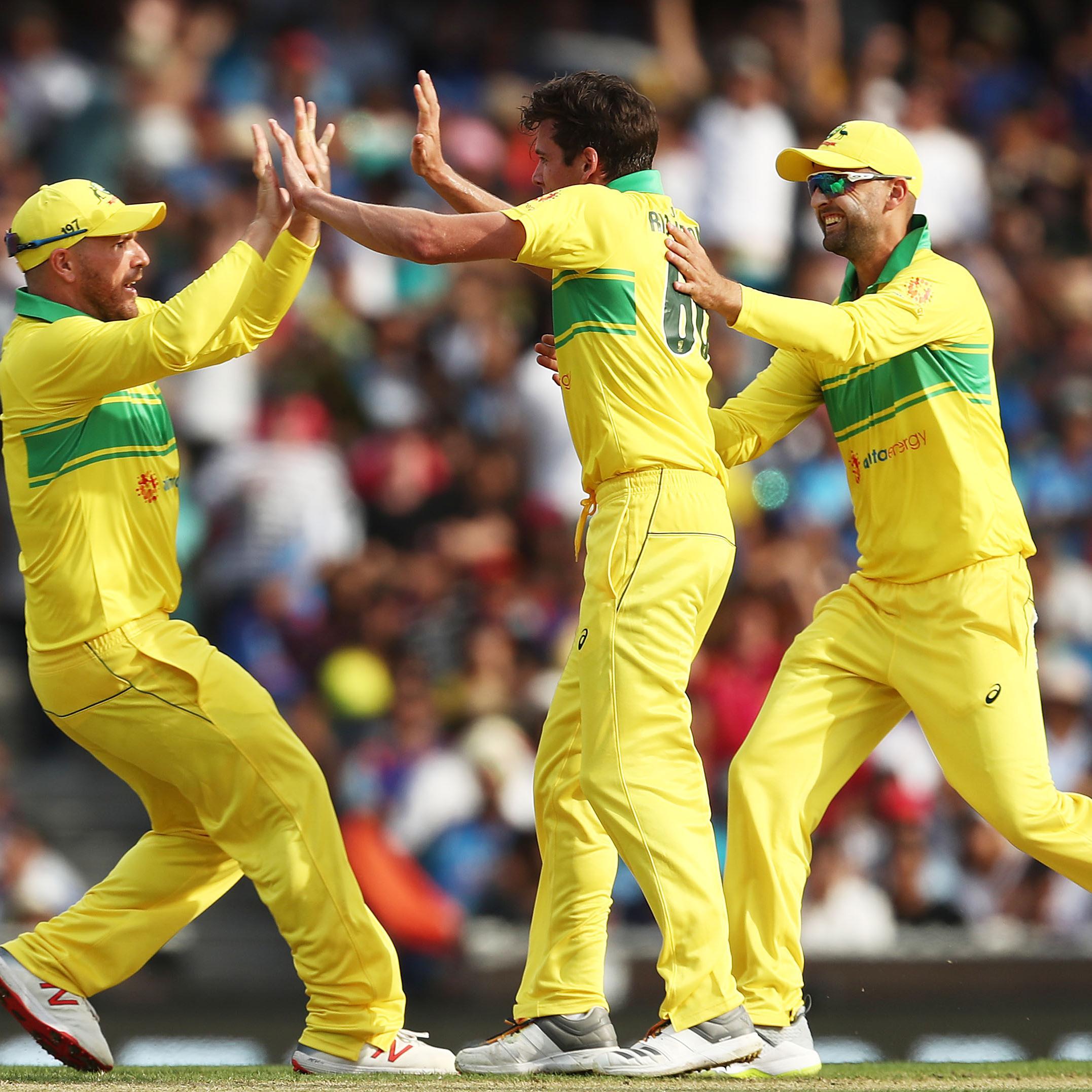 177be4ade56 India beat Australia by 7 wickets (with 4 balls remaining) - Australia vs  India 3rd ODI Match Summary