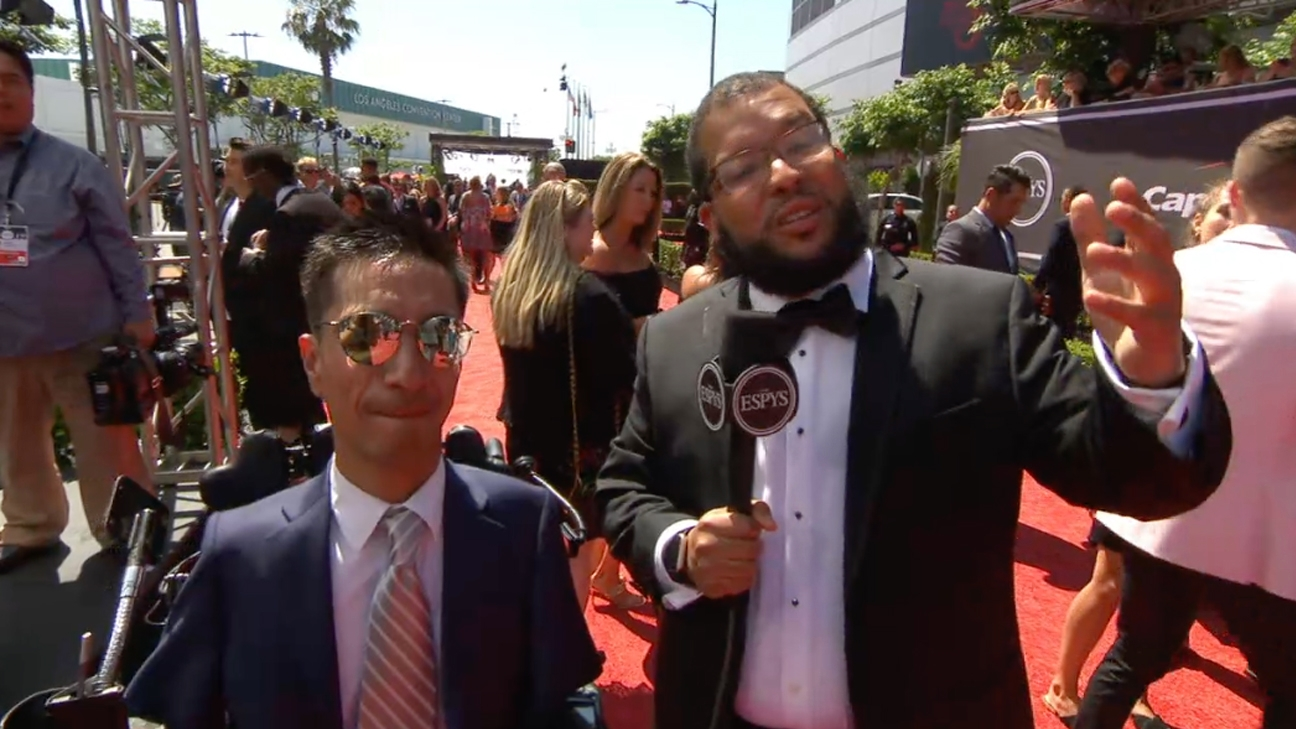 Jimmy V Award winner Rob Mendez joins The Undefeated red carpet
